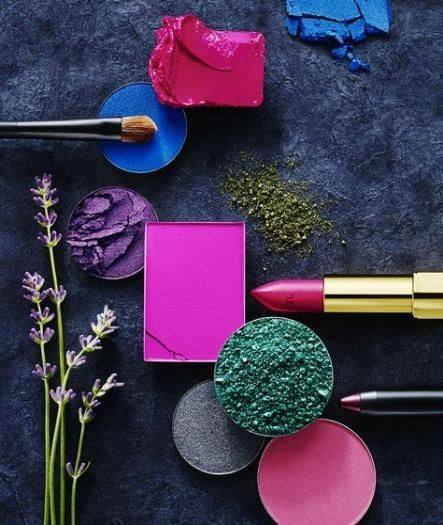 Discover the art of makeup