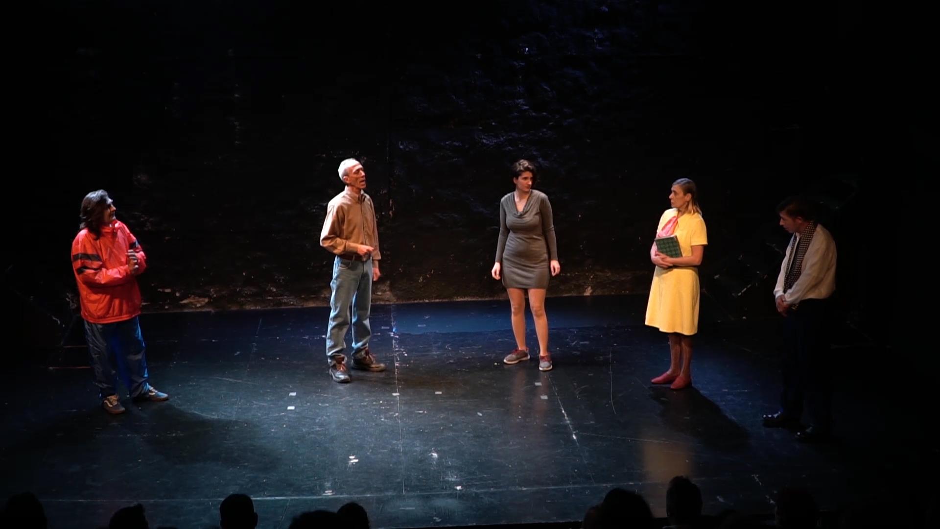 «Ο Θίασος ταξιδεύει για...μια Πετρόσουπα» με τη θεατρική ομάδα αστέγων Walkabout